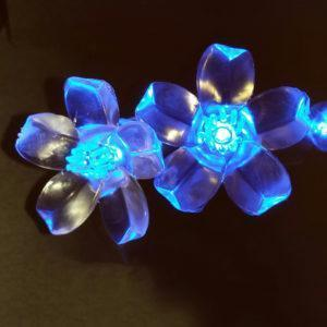 Blue flower-shaped LED light string