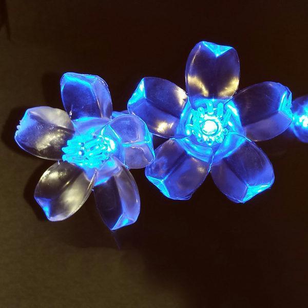 Blue flower-shaped LED light string